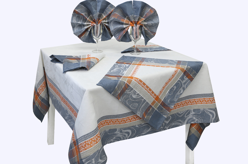 Комплект столовый Мраморная лилия-1 150*200